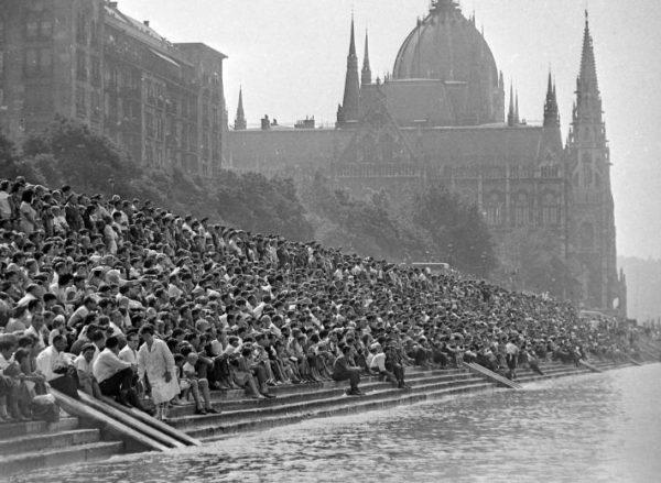 Légi- és vízi parádé, Budapest (1960-as évek vége) Forrás: fortepan.hu
