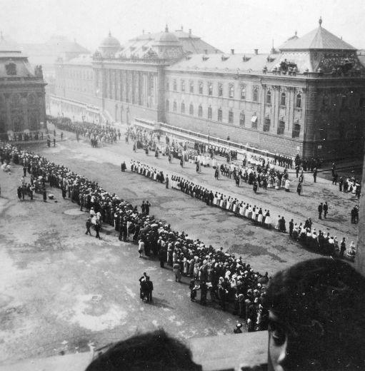Szent Jobb körmenet, Budapest (1930-as évek) Forrás: fortepan.hu
