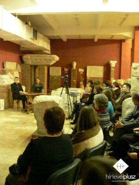 Parais István és Kelbert Krisztina a báli szokásokról beszélgetnek (a képre kattintva galéria nyílik)