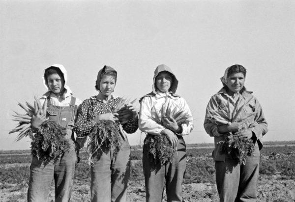 Russell Lee - Mexikói női parasztok (Edinburg, Texas, 1939) Forrás: historyinphotos.blogspot.hu