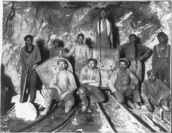 Aranybányászok Forrás: www.pinterest.com | Mrs.H.S.Balls Chutney