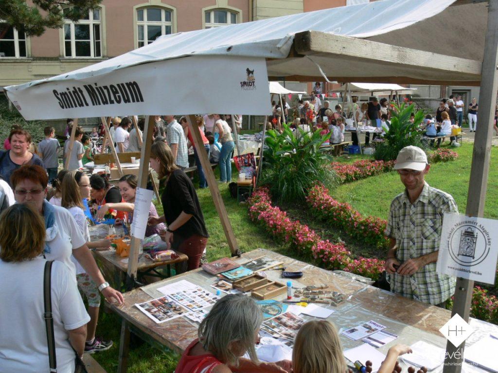 A Smidt Múzeum pavilonjánál nyomdajátékok is várták a legkisebbeket
