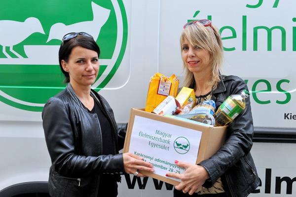 """Péterfy Bori: """"Fontosnak tartom, hogy azok, akik tudják, segítség a Magyar Élelmiszerbank Egyesület munkáját a nehéz időkben, hogy olyanokhoz is eljuthasson karácsony előtt felajánlás, akik más módon nem biztos, hogy élelmiszeradományhoz jutnak az ünnepek előtt."""""""