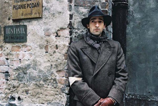 A zongorista Wladyslaw Szpilman, a lengyel zongoraművész felkavaró története Roman Polanski filmjében. (Kép: entdata-pic.stor.sinaapp.com)