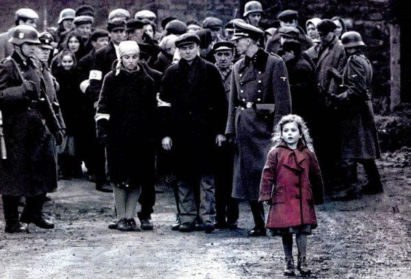 Schindler listája Thomas Keneally regényéből készült, 7 Oscar-díjas film Oskar Schindlerről, aki mintegy 1200 zsidót mentett meg a haláltól. (Kép: static.skynetblogs.be)