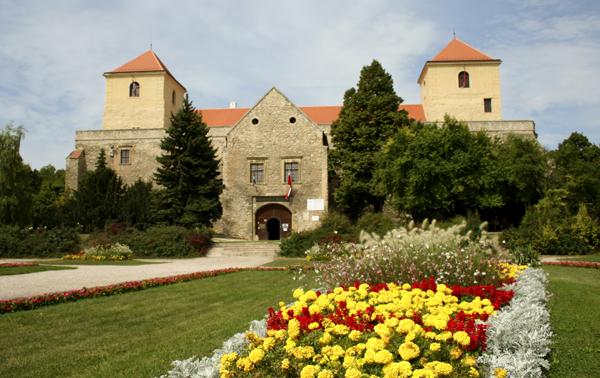 Fotó: www.nemzetimuemlek.hu