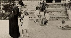 Zita királyné gyermekeivel 1917-ben (Forrás: vivamaxima.centerblog.net)