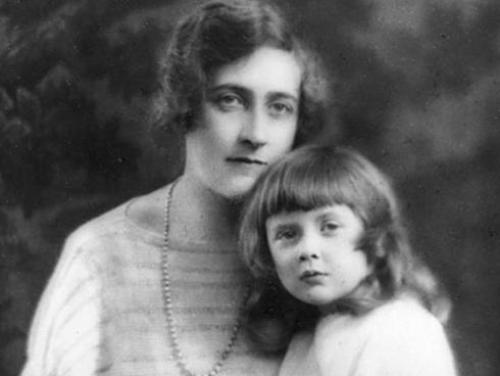 Agatha Christie és lánya (Forrás: www.myinterestingfacts.com)