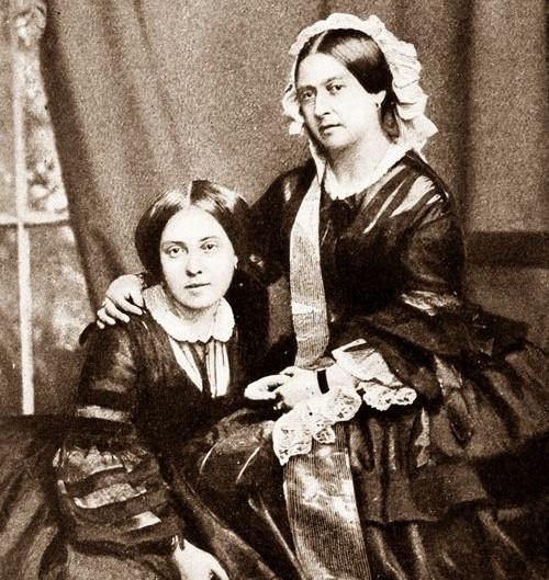 Viktória királynő és leánya, Viktória hercegnő (Forrás: Pinterest - Tina Rogers)